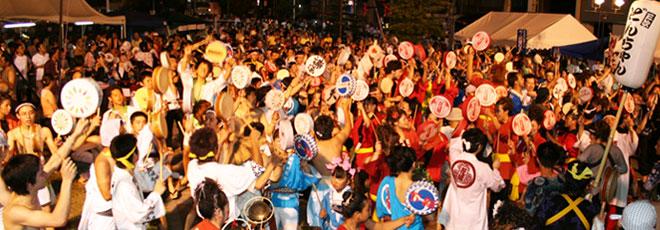 きんさい祭りパレードの模様